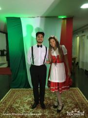 Hosts - Noite Italiana